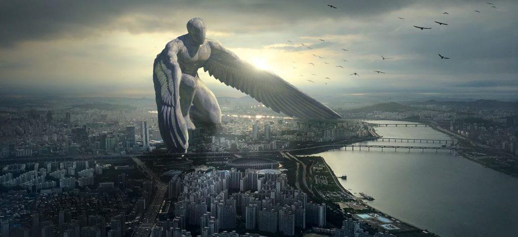 Божественное присутствие в виде ангела, оберегающего город