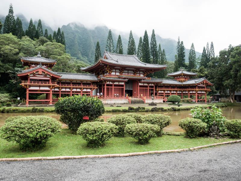 Храм, гармонирующий с окружающей природой
