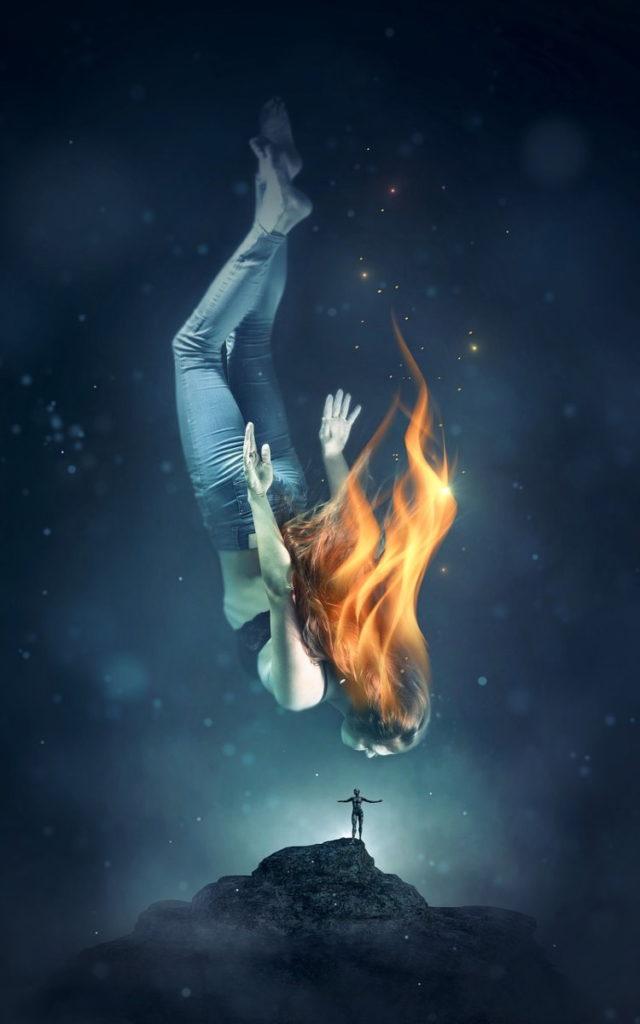 Женщина, погружающаяся во тьму, с вырывающимся пламенем из головы