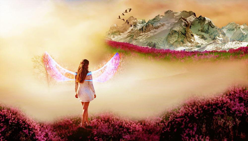 Девушка с крыльями за спиной, вышедшая на просторы гармоничного бытия