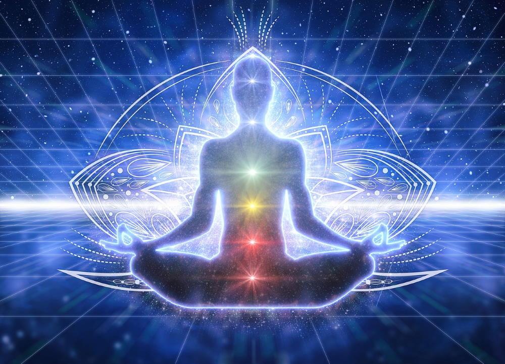 Прозрачность тела, символизирующая очищение в процессе медитации