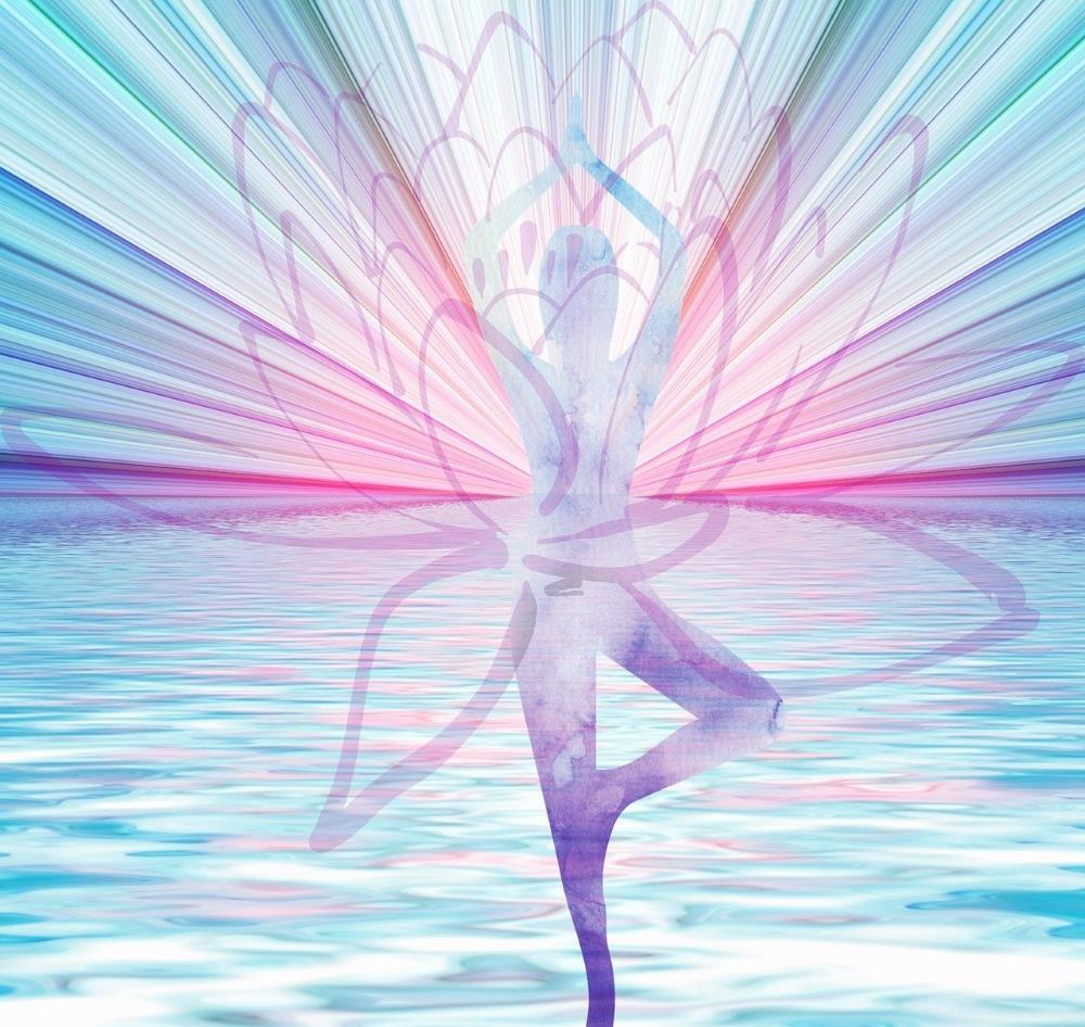 Силуэт женщины, озарённой светом Духа